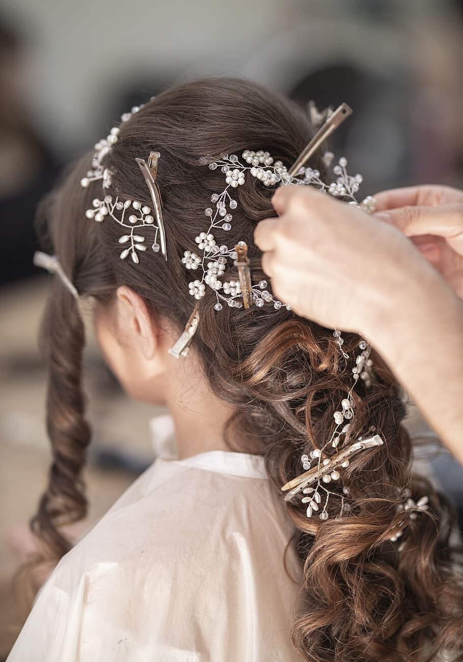 bridal-hairdresser-hair-make-up-salon-beauty